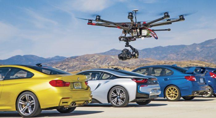 Drony a auta