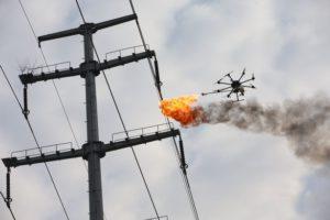 dron s plamenometem